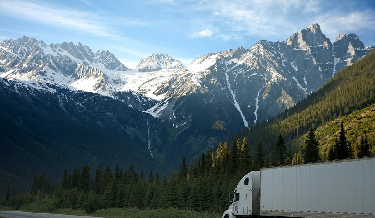 Trucking Movements and Migration Trends—How to Find an Immigrant-Friendly Destination in Canada